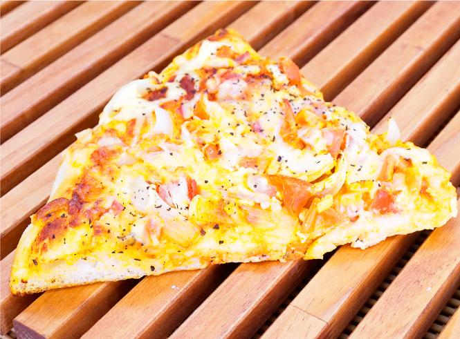 トマトカレーピザ