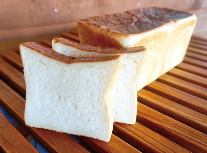 【石窯焼の定番食パン】石窯食パン
